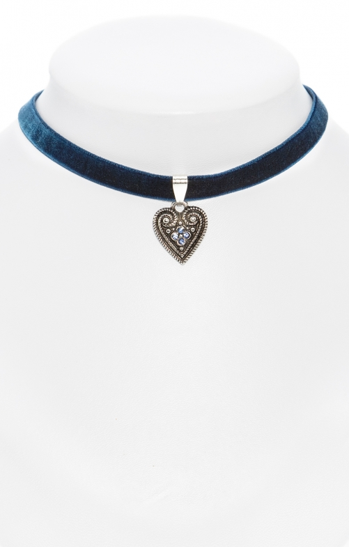 Traditional necklace with heart marine