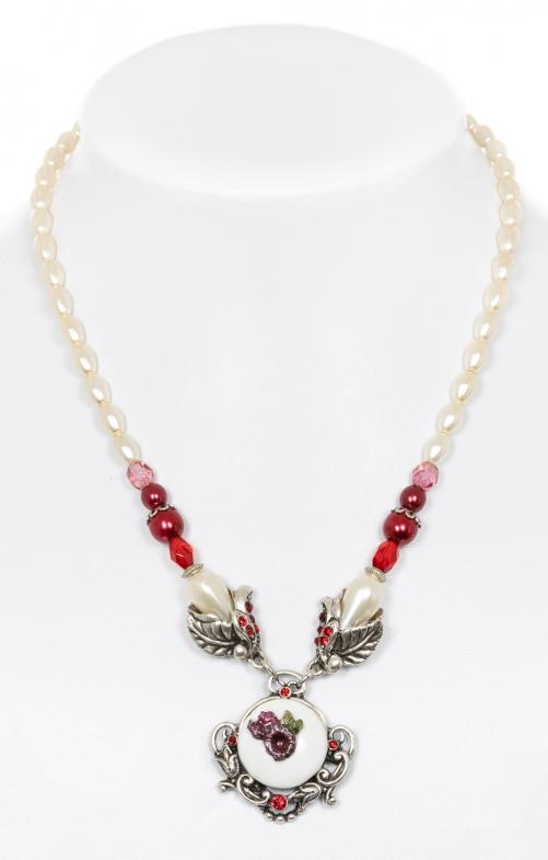 Perlenkette mit Blumenanhänger rot