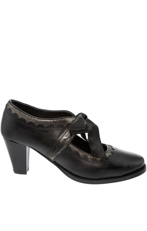 Traditional dirndl shoes VICTORIA black