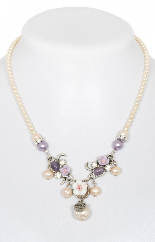 Tradtional Pearl necklace 3348-71